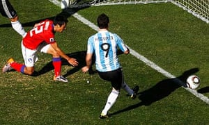 Argentina's Gonzalo Higuaín taps scores in the World Cup 2010 game against South Korea