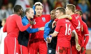 England players huddle