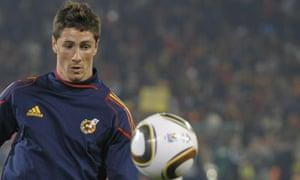 Spain's striker Fernando Torres warms up