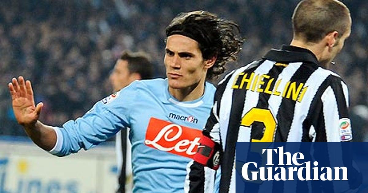 Frantic Sunday Sees Edinson Cavani Fire Again To Flatten Juventus Serie A The Guardian