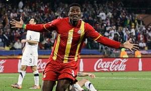 Asamoah Gyan是目前在英超联赛中加入的一组加纳球员之一