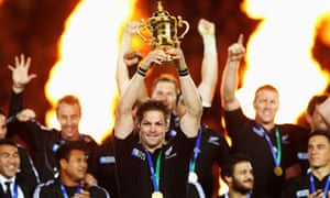 Richie McCaw lifts the Webb Ellis Cup for New Zealand