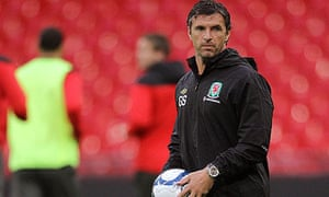 Gary Speed leads a Wales training session