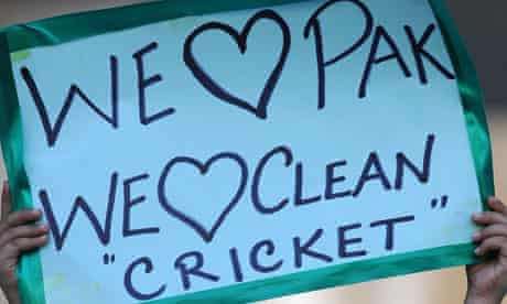 A sign held up by a young fan during Pakistan's third Test against Sri Lanka