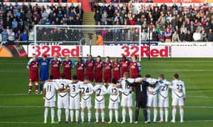 Swansea and Aston Villa pay tribute to Gary Speed
