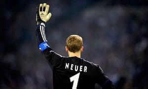The Schalke goalkeeper Manuel Neuer