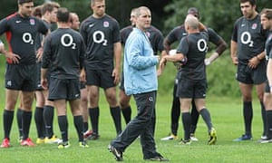 Stuart Lancaster leads England training