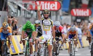 Mark Cavendish wins in Paris in 2010