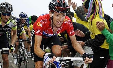 Bradley Wiggins rides up the Alto de L'Angliru on stage 15 of the Vuelta a España