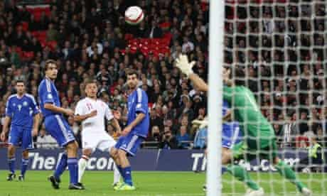 Alex Oxlade-Chamberlain scores England's fifth goal against San Marino