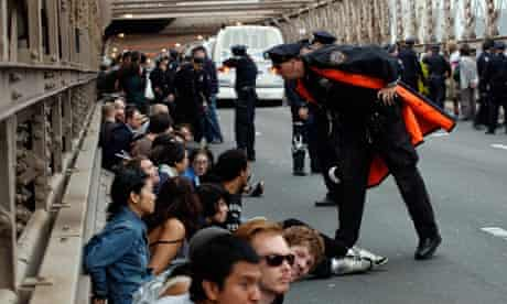 Occupy protesters, Brooklyn bridge
