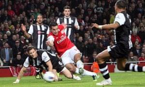 Robin van Persie scores Arsenal's first goal