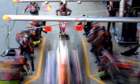 Formula One pit crew