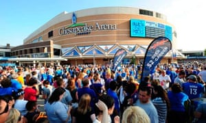 NBA Finals: Heat vs Thunder - fans arrive