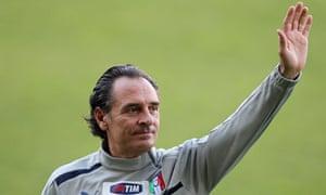 Italy's coach Cesare Prandelli waves during a training session at Tardini Stadium in Parma