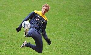 Rasmus Elm in training for Sweden