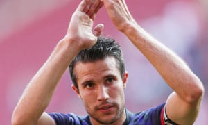 Robin van Persie applauds the fans at the end of Arsenal friendly at Köln