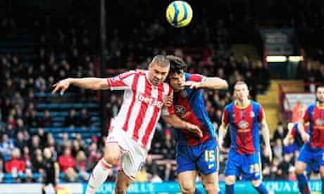 Stoke City's Jonathan Walters, left, and Crystal Palace's Mile Jedinak