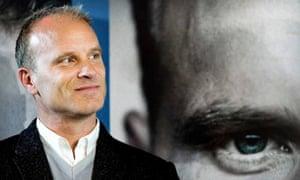 Dennis Bergkamp biography presentation