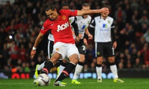 Javier Hernández fires Manchester United ahead from the penalty spot.