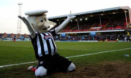 Grimsby Town v Dartford - FA Trophy Semi Final