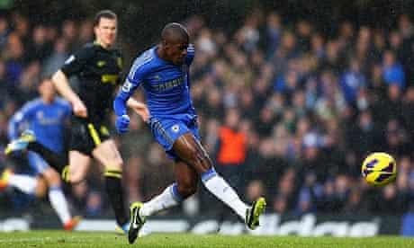 Chelsea midfielder Ramires scores