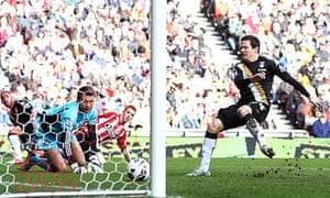 Fulham's Sasha Riether scores against Sunderland in the Premier League