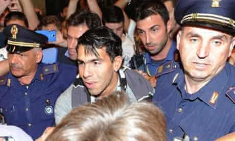 Carlos Tevez arrives in Italy in Milan