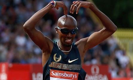 Mo Farah celebrates race victory