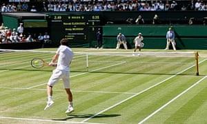 Murray returns to Djokovic.
