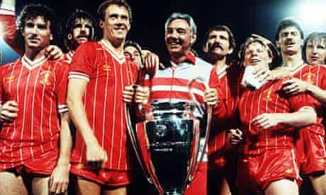 Joe Fagan celebrates winning the 1984 European Cup with his Liverpool players