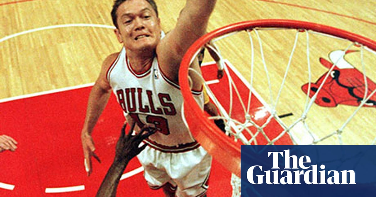 The forgotten story of     Luc Longley | Sport | The Guardian