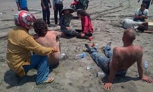 Residents help survivors in Java