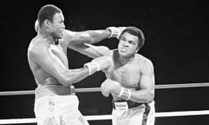 Larry Holmes and Muhammad Ali, 1980