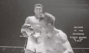 Muhammad Ali knocks out Cleveland Williams