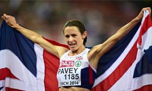 Jo Pavey celebrates winning the women's 10,000m final at Zurich's Letzigrund Stadium.