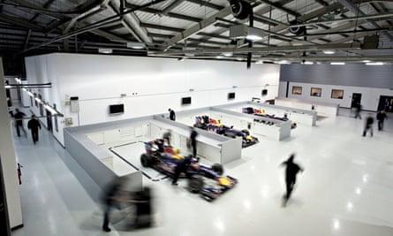 RED BULL F1 RACING FACTORY