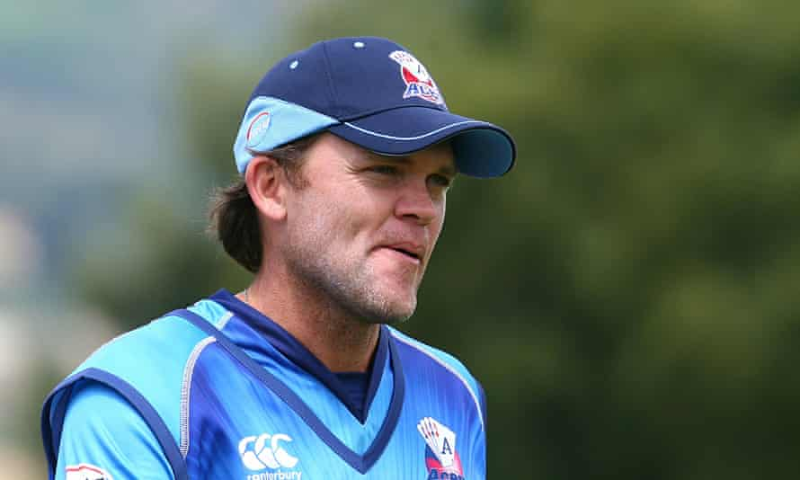 Lou Vincent looks on during the Twenty20 match between Otago and Auckland in December 2012