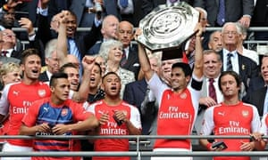 Alexis Sánchez, blue shirt, is already a winner with Arsenal, in the Community Shield on Sunday.