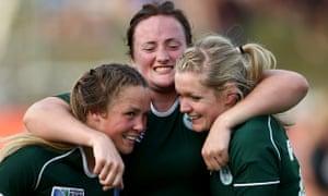 Ashleigh Baxter, Ailis Egan and Vikki McGinn ireland v new zealand