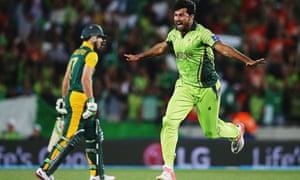 Sohail Khan of Pakistan celebrates after dismissing AB de Villiers of South Africa