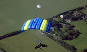 Yves Rossy parachute