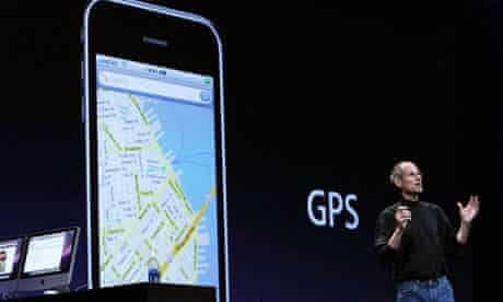Apple CEO Steve Jobs announces 3G iPhone