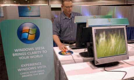 Man tries out Windows Vista
