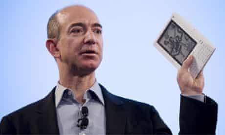 Jeff Bezos unveiling the Amazon Kindle