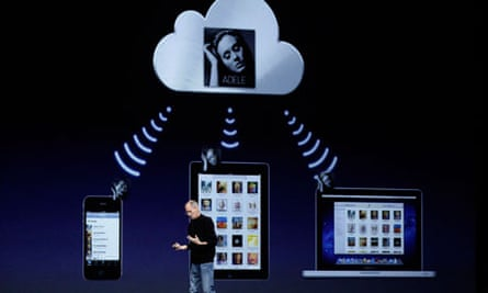 Steve Jobs introduces iCloud at WWDC