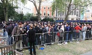 APple Regent Street queue