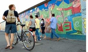 berlin-wall-bike
