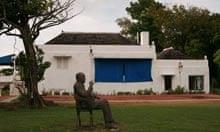 Noel Coward's statue
