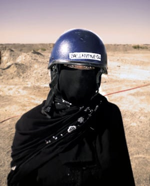 Been there photo comp Nov: Female soldier in Afghanistan